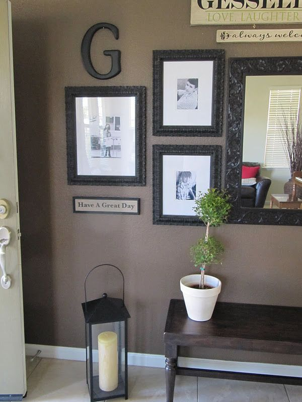 13 best images about entry way decor ideas on pinterest for Front room wall ideas