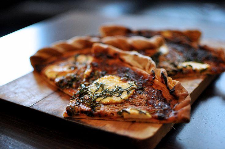 Pizza de queso de Burgos y rúcula