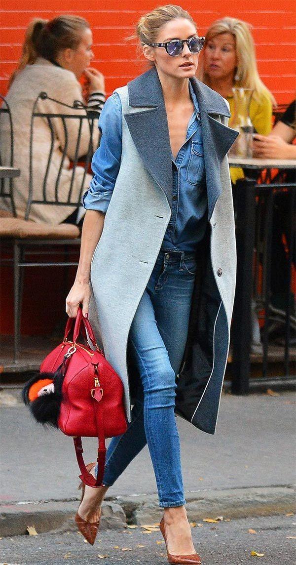 Olivia Palermo combina colete + look all jeans para um toque mais sofisticado.