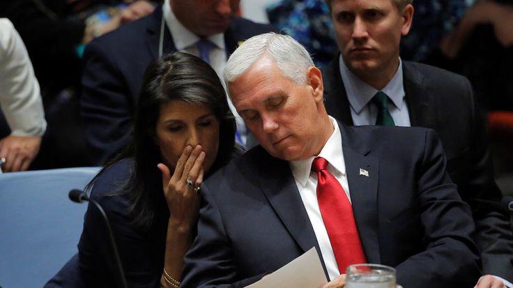 """Die UN-Botschafterin der USA Nikki Haley hat Washingtons Krieg der Worte gegen Russland nochmals erhöht. Sie bezeichnete die angebliche russische """"Einmischung"""" bei den US-Wahlen 2016 als """"Kriegsführung"""". Der CIA-Chef im Gegenzug erklärte, dass es keine Beeinflussung auf die Präsidentschaftswahlen gegeben hat."""