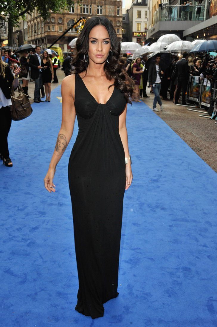 Pin for Later: Excessive Heat Warning: Megan Fox's All-Time Sexiest Looks Megan Fox in Black KaufmanFranco at the 2009 Transformers: Revenge of the Fallen UK Premiere The actress hit the blue carpet in an understated KaufmanFranco LBG in 2009.