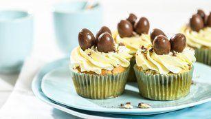 #SchokoKäsekuchen-Kinder-Schoko-Bon®-Cupcakes – #KinderSchokoBonCupcakes – #Ki…