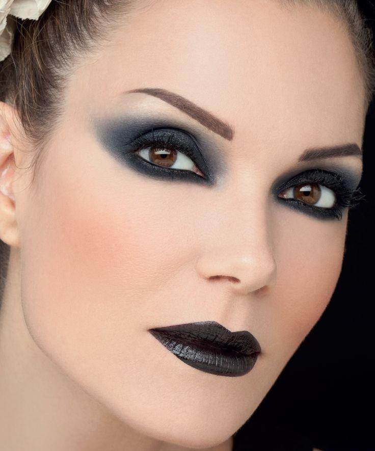 Vamp it up and pair a smoky eye-shadow with dark lips. #radiantprofessional #fall16_17 #makeup #makeuplook #makeuptrends