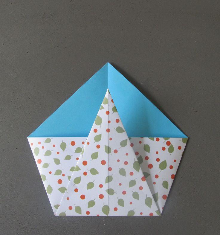 Un diy en images pour fabriquer une petite enveloppe en oragami pour alimenter la grainothèque