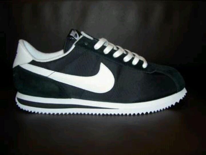 more photos b3add 56bf8 nike cortez tennis shoes