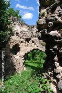 Balatoni romok: Velétei palotarom (Szentbékkálla)