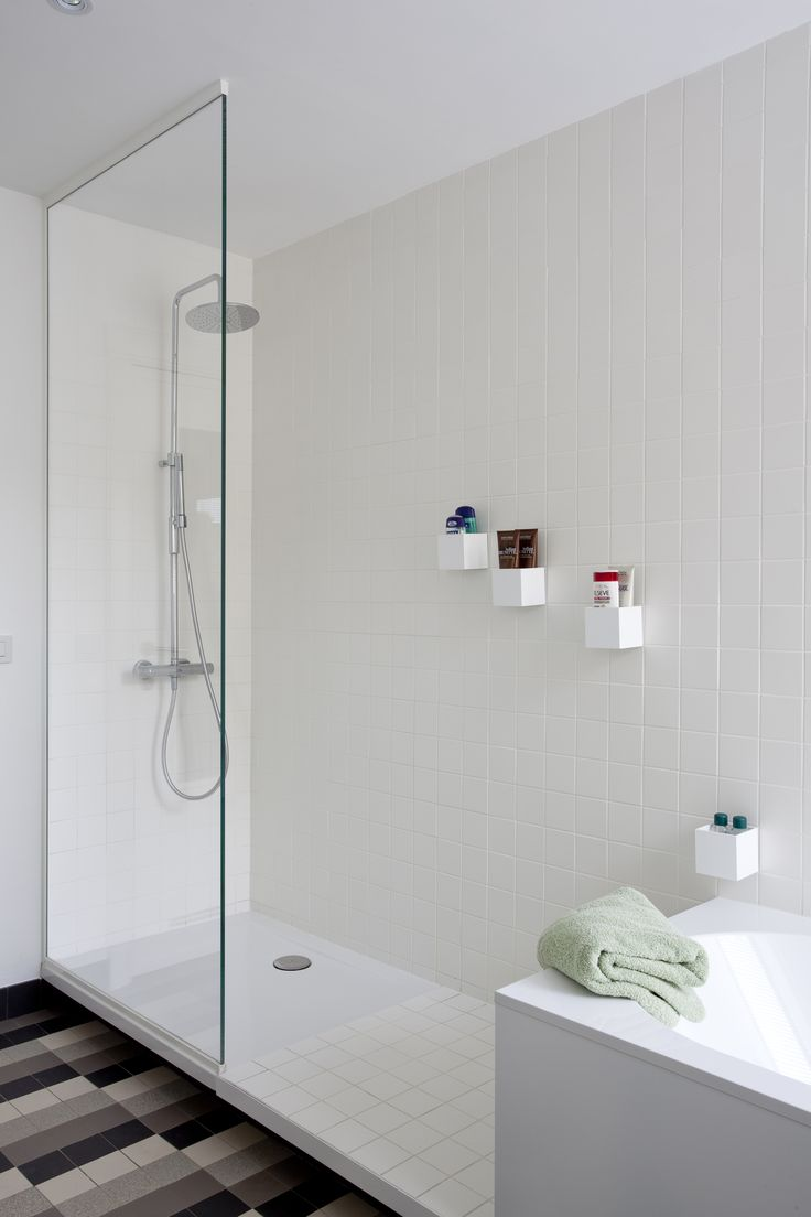 studio k - jaren '30 woning deurne 2010 (art deco, modernist house, patern tiles floor, bathroom, original elements, white)