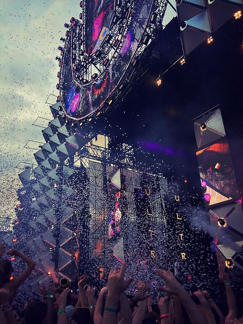 Ultra Music Festival 15th Anniversary, living the most craziest one ever in Miami 2013 #edm #umf15 #umf