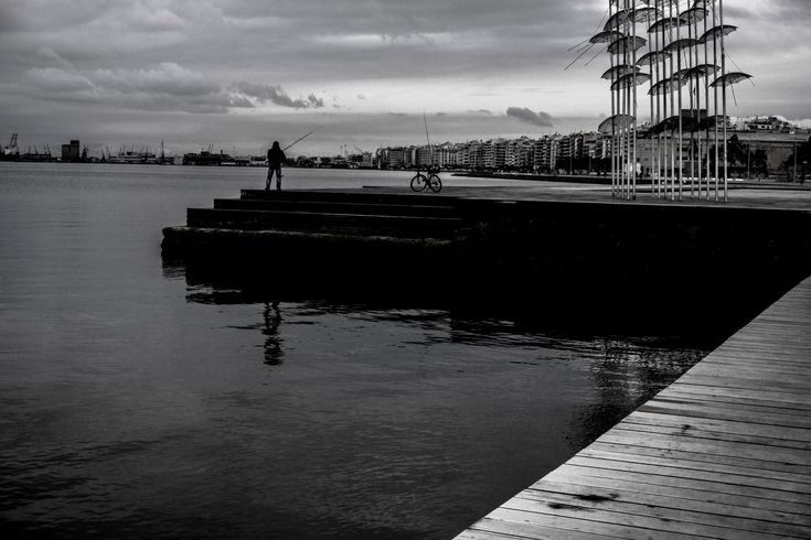 Fishing - Thessaloniki - Port and umbrellas
