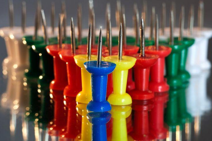 pins-641399_1280