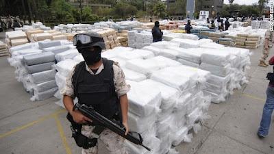 A guerra às drogas no México: Corpos de bilhões   Arquivos Fatais