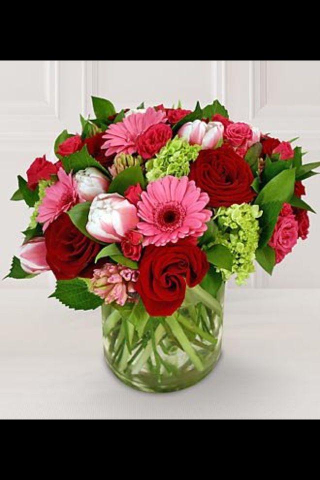 Best 20 valentine flower arrangements ideas on pinterest for Flower arrangements for valentines