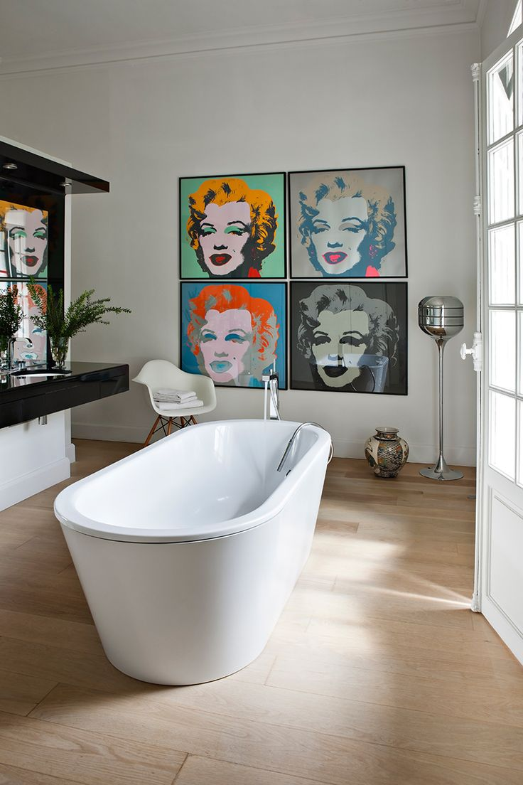 Diego Mendez Casariego - art and design in Perpignan with Andy Warhol litos and Philippe Starck for Duravit tub
