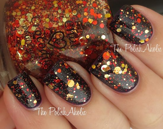 Orange & Gold Glitter over black! - 25 Fun Halloween Nail Art Ideas
