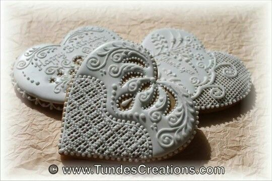 Tunde's Creations:    gingerbread lace hearts