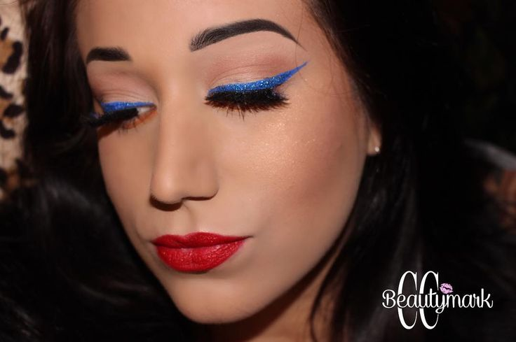 *OPEN CAPTION FOR DETAILS* Fourth of July glittery eyes and red lips! This was my actual look for the 4th of July, close up and personal! . . ���� @goddess.collection lashes in #aphrodite �� @nyxcosmetics vivid brights liner is sapphire with loose blue glitter over it. ✨ @ciatelondon glitter glue ❤️ @stilacosmetics  liquid lip in red (can't remember exact name! I'll get back to y'all on that) �� @anastasiabeverlyhills dip brow pomade in Chocolate . . #makeup #makeupart #makeupporn…