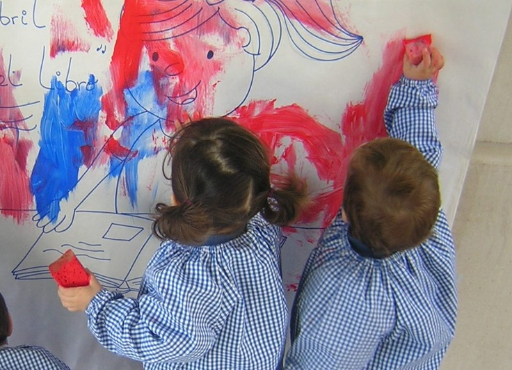 Murales con pintura de dedos en E.I. El Patio