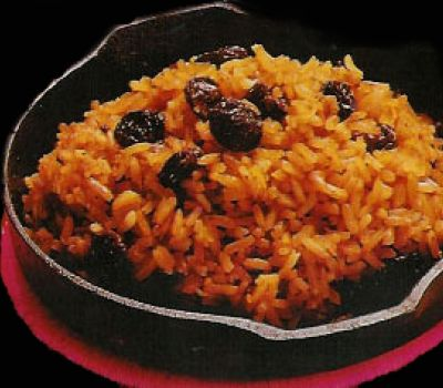 ARROZ CON COCO - The coconut rice is a typical dish on the caribbean coast of colombia. Cooked in coconut milk, it gets a sweet touch. #Food #tasty #coconut #travelandmakeadifference #cooking #recipe