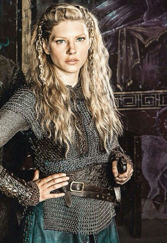 Lagertha braided hairstyle.