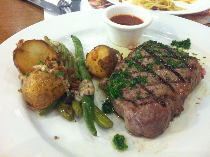 허브 등심 스테이크(Herb sirloin steak)