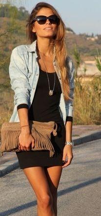 Mijn stijl!❤ Jeansjasje, jurk, beuine handtas, lange ketting, oorbellen en horloge