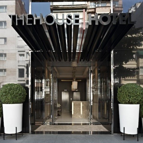 45 best hotel entrance images on pinterest arquitetura for Hotel entrance decor