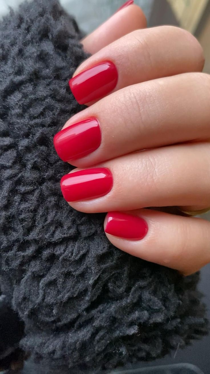 Red nail [Video] | Red nails, Short red nails, Red gel nails