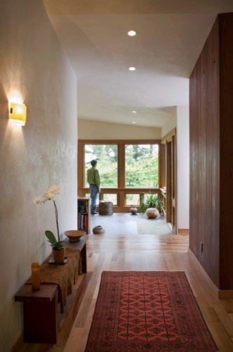 entry way with moroccan rug