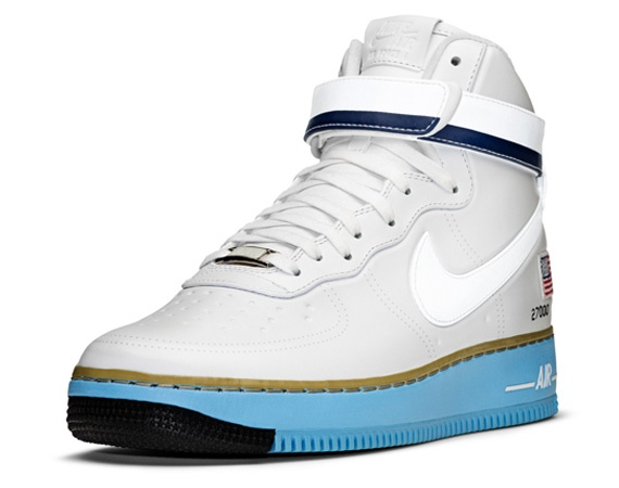Here is a closer look at the Nike Air Force 1 High inspired by the Boeing  used by the President of the United States, the original Air Force One.