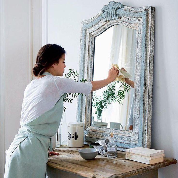Spring cleaning, let the fresh energy in ~*~  Les astuces écolos de la rédac. Pour nettoyer les vitres et les miroirs : ⠀  ⠀  50 cl de vinaigre⠀  50 cl d'eau ⠀  Quelques gouttes d'huile essentielle (eucalyptus, pin)⠀ ⠀  Lavez ce mélange en frottant avec des feuilles de papier journal.⠀  ⠀  ⠀  Retrouvez les recettes de ménage naturel de @christlexelmans sur le site ! Lien dans la bio ⠀ ⠀⠀  ⠀⠀⠀   Louis Gaillard⠀⠀  ⠀  #marieclaireidees #slowliving #liveauthentic #menagenaturel
