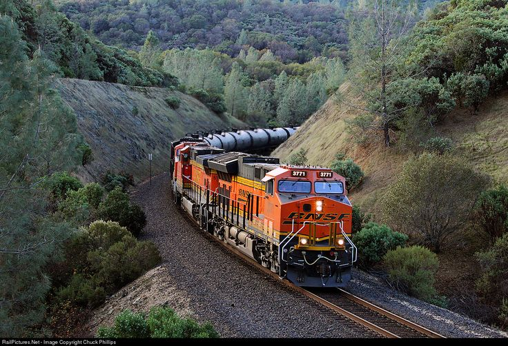 RailPictures.Net Photo: BNSF 3771 BNSF Railway GE ET44C4 at James, California by Chuck Phillips