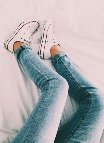 The skinny jeans + converse combo never fails.