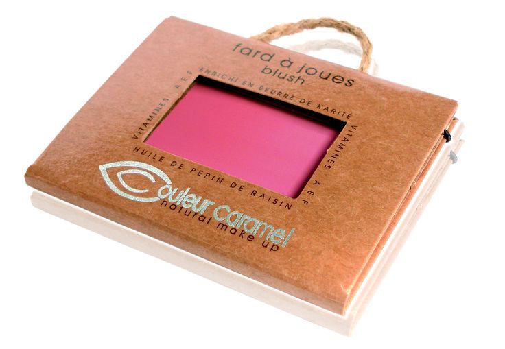Leggero e impalpabile, questo fard illumina le guance con un tocco naturilissimo di colore garantendo un aspetto fresco e curato.