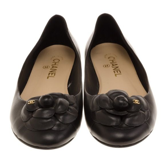 CHANEL BLACK LEATHER FLATS Gorgeous black leather Chanel Camellia flats. Size 40. Hardly worn!! CHANEL Shoes Flats & Loafers