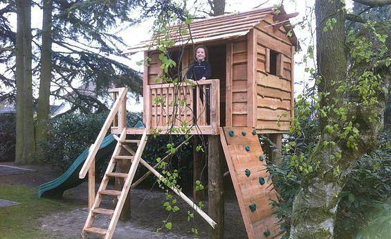Voorbeelden van hoe houten speelhuis Boomhut Boris uitgevoerd kan worden.