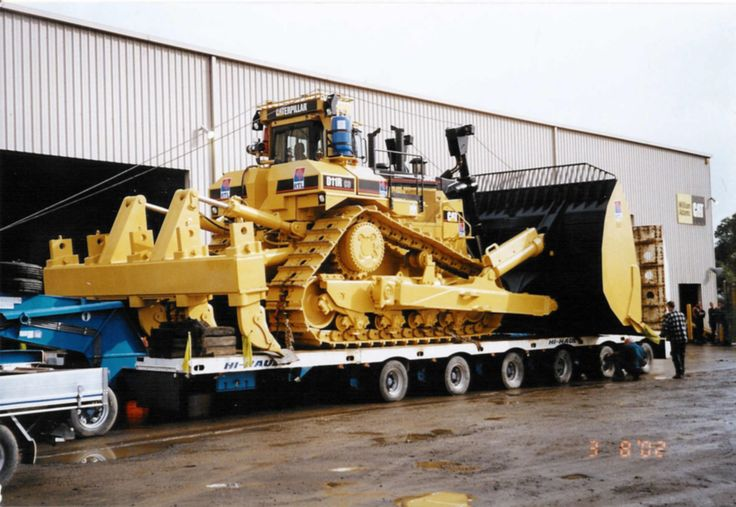 World's Largest Earth Moving Equipment | D11R Hi Trck with Big Blade