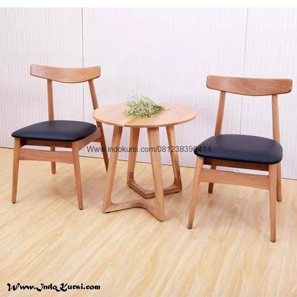 JualSet Kursi Teras Kursi Cafe Jok Hitammerupakan Produk Mebel Jepara Indo Kursi dengan desain Bentuk Meja Model Bundar dan Kursi Cafe Jok Hitam Kayu Jati