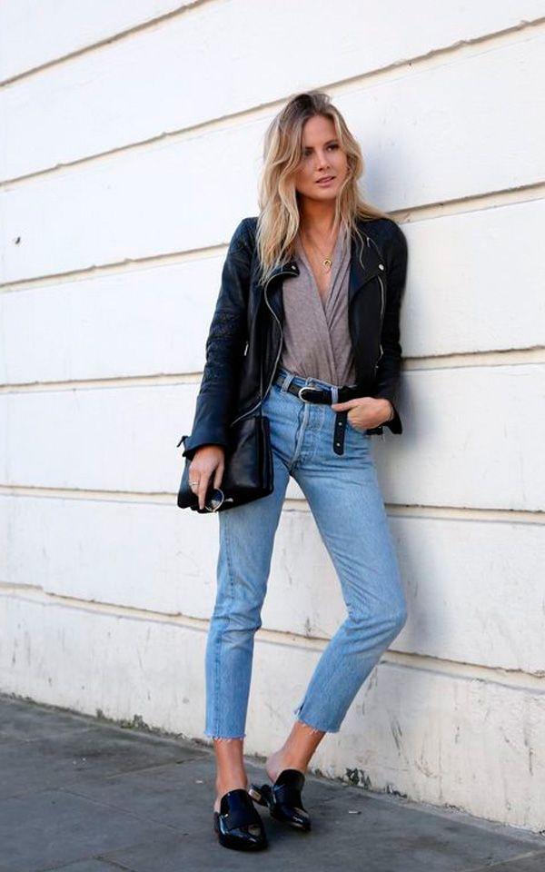 Calça jeans cropped Blusa cinza Jaqueta couro preta Mule