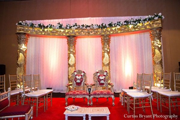 ceremony http://maharaniweddings.com/gallery/photo/17529 @Eve Cherished