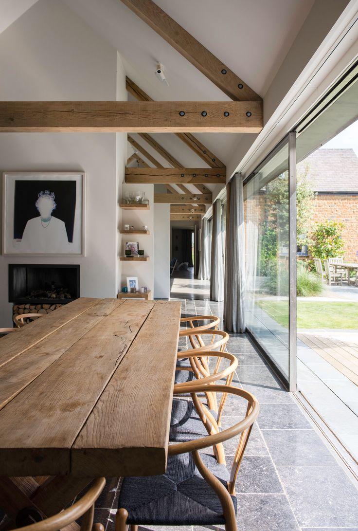 So wäre ein Esstisch im Wohn- / Essbereich (aber andere Stühle). Und das