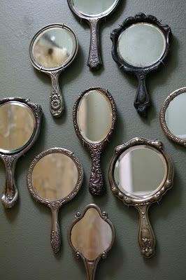 Cool mirror decoration idea! Use a collection of vintage mirrors #decor