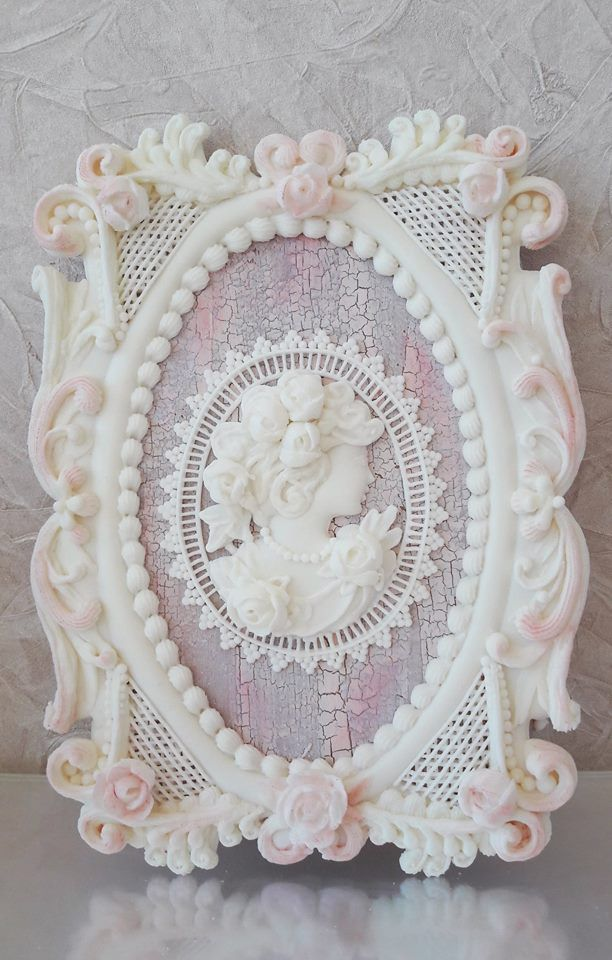 Molded cameo, over-piped frame