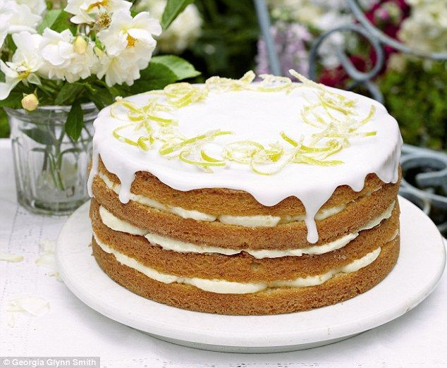 Mary Berry Cooks: whole lemon cake with lemon cheesecake icing #MaryBerry #CooksthePerfect #PinthePerfect
