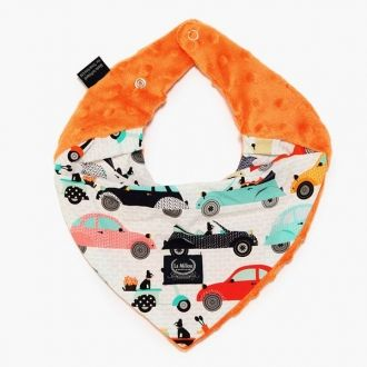 La Millou Bandana Bib Le Mobile offer durability, absorbency, comfort and unique style all in one. Can be worn all day to protect the clothes and the sensitive skin of the baby from being wet and humid from the drooling. Closing with two snap buttons (push buttons).  Bandana Bib is packed in a linen ecological bag with a heart hanger.