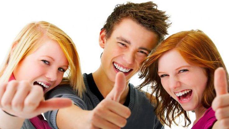 Banyak hal yang dapat mempengaruhi pertumbuhan tinggi badan pada usia remaja hingga dewasa 14–20 tahun, diantaranya seperti genetik, asupan nutrisi dan aktifitas olahraga / fisik merupakan faktor yang sangat umum. Pada wanita usia pubertas terjadi lebih awal, yaitu menginjak usia 8-13 tahun, sedangkan pada pria mengalami pubertas setelah menginjak usia 9-14 tahun. Saat usia tersebut kebanyakan sang anak sering membanding bandingkan tinggi badannya dengan temannya.