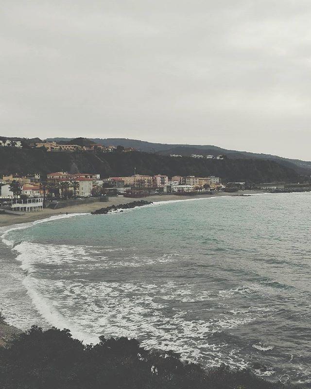 Wonderful. #unangeloinviaggio  #italy #italia #calabria #cosenza #belvederemarittimo #igersitalia #igerscalabria #igerscosenza #mare #sea #viaggio #adventure #nature #natura #sud #volgocosenza #volgocalabria #volgoitalia #likes_cosenza #esploracalabria #visitcalabria #calabriadaamare #amepiaceilsud #living_europe #living_destinations #exploretheglobe #paesaggi_italiani #paesaggimeridionali