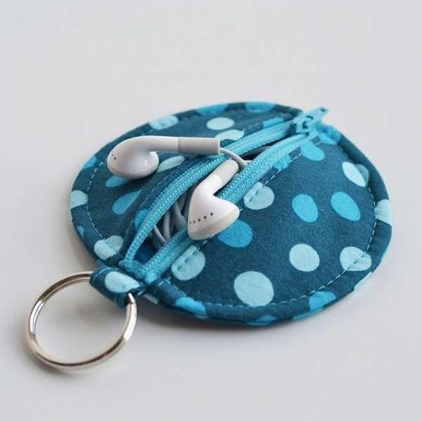 Etui pour écouteurs DIY avec des chutes de tissu. 25 Idées originales pour recycler vos chutes de tissus