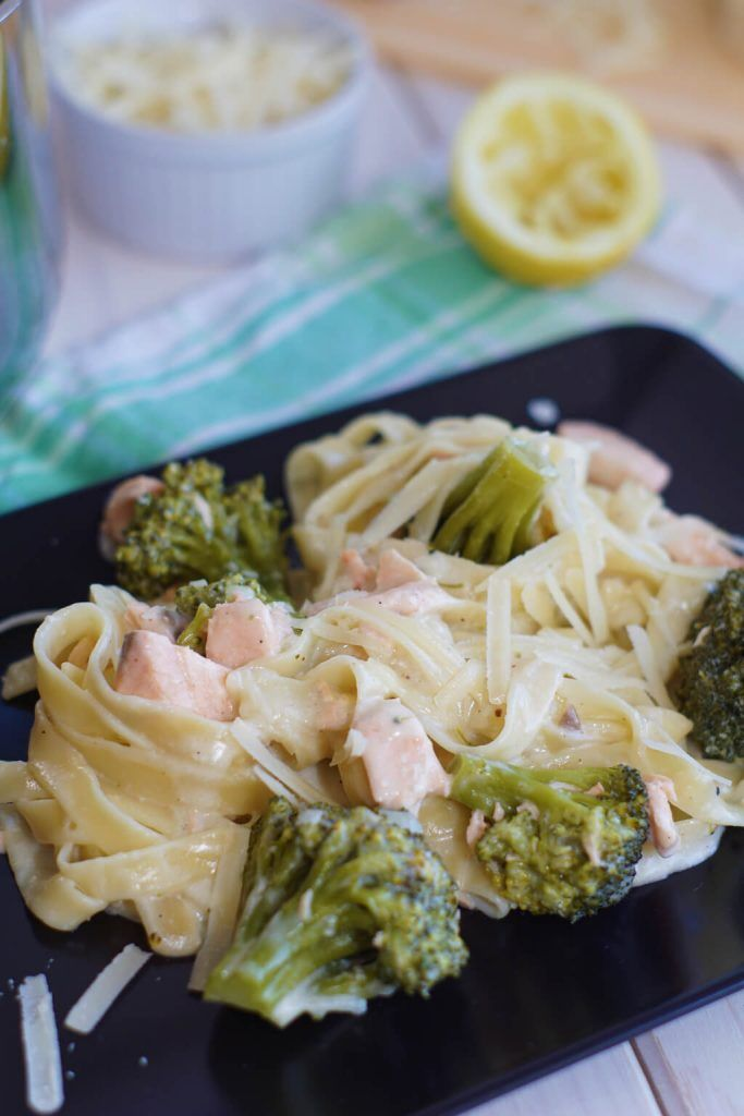 One Pot Pasta mit Lachs und Brokkoli