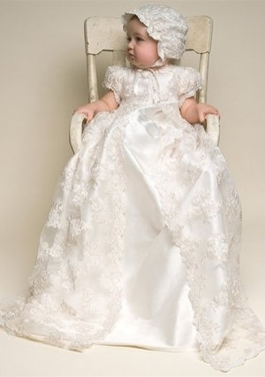 Baby\'s Christening Gowns with Appliques in Charmeuse Lace