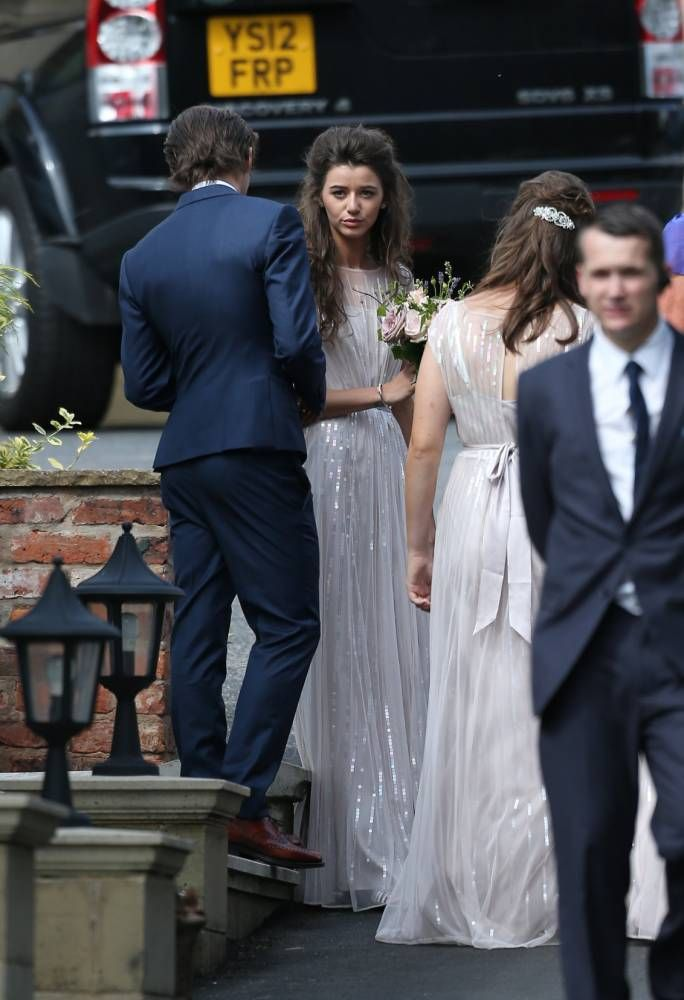 Louis's girlfriend Eleanor is bridesmaid at his mum's wedding>>>AHEM. HOW IS LARRY EVEN A THING.